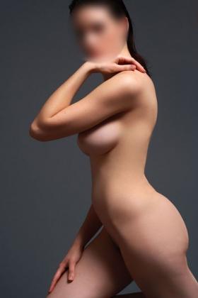 Sexy escort Louana